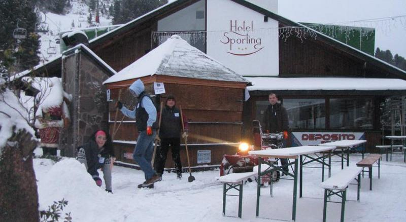 /Włochy-Val-Di-Fiemme-Cavalese-Narty-we-Włoszech!-Val-di-Fiemme,-Cavalese,-Hotel-Sporting,-yżywienie-HB,183,722,1,sph.jpg